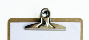 A clipboard can be helpful to make a list of your belongings. In this way, you will organize your moving even better.