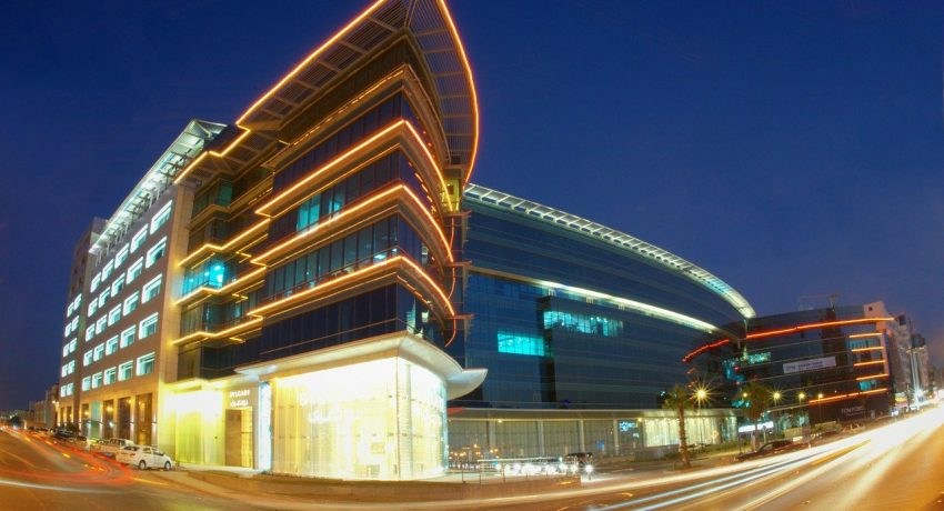 Corporate building where you can find good customs clearance agents in Saudi Arabia.