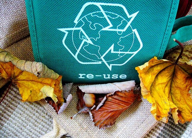 Recycling sign on a bag.