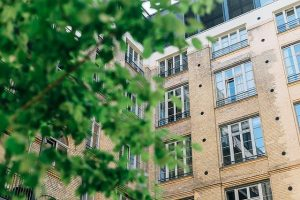 Building - Determine your priorities when searching for college apartments in Hilliard, Ohio.