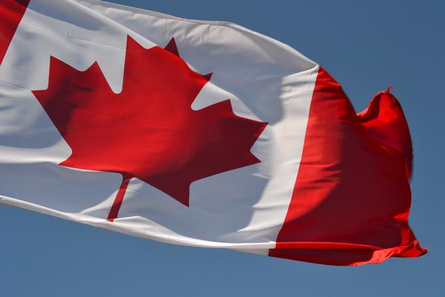 Canadian flag, read about 5 things to know before moving to Mississauga